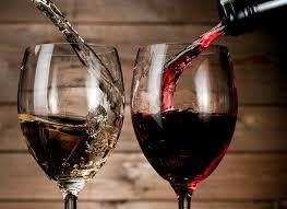 Nhiệt độ phục vụ hoàn hảo cho rượu vang đỏ và trắng là gì?